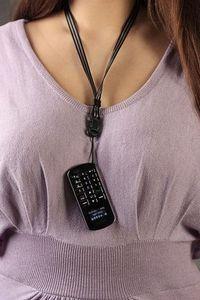 15-Граммовая bluetooth-гарнитура в виде микроскопического мобильника