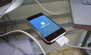 Apple: iphone'ом можно взламывать «соты»