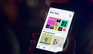 Apple за дешевую музыку в интернете