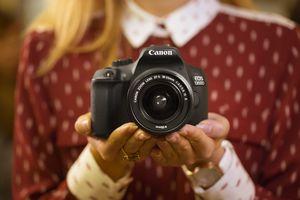 Canon анонсировал «зеркалку в кармане». фото