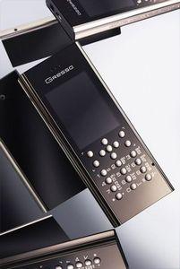 Cruiser titanium — первый телефон из полированного титана