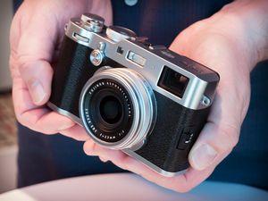 Fujifilm представила камеру x100s в классическом корпусе