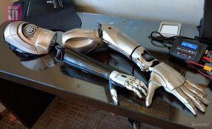 Инвалид-геймер получил бионический протез в стиле metal gear solid (11 фото + 2 видео)