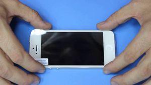 Как правильно поклеить пленку на смартфон