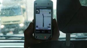 Мобильник все чаще становится навигатором