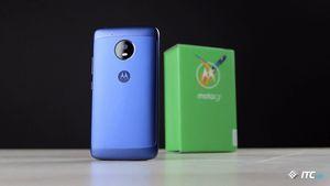 Motorola открыла год двумя новинками. фото