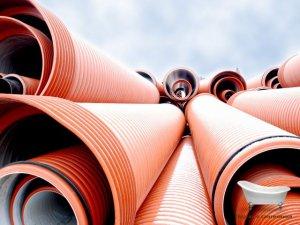 Почему стальные трубы лучше пластиковых?
