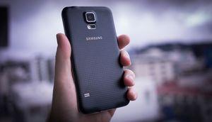 Samsung не может сбыть с рук половину своих galaxy s5