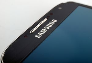 Samsung отказалась устранять критические уязвимости в старых флагманских смартфонах