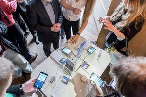 Samsung представляет в украине смартфон galaxy s5