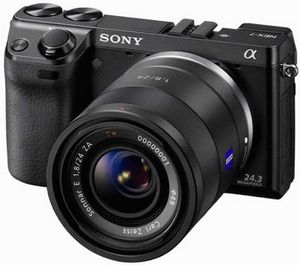 Sony начинает продажи долгожданной флагманской беззеркалки nex-7