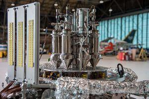 Ученые создали кинетический генератор в виде плёнки для питания гаджетов (2 видео)
