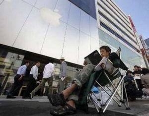Во всем мире выстроились очереди за apple ipad